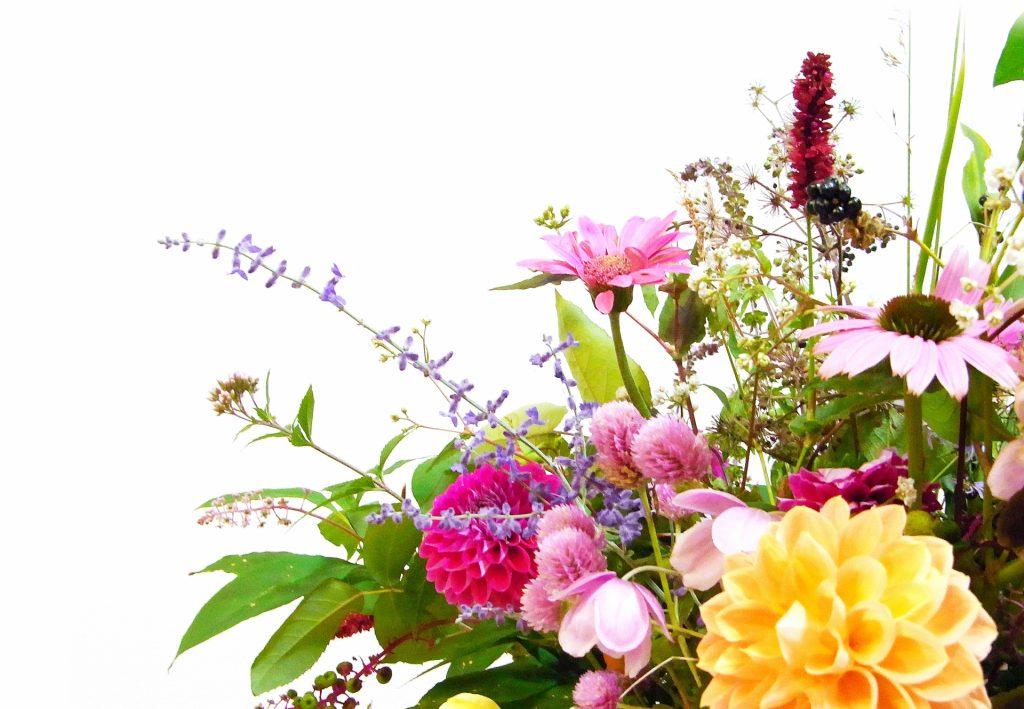 結婚祝いにおすすめの花の種類と贈る際の注意点を紹介